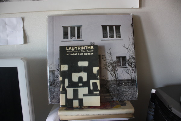 Francesco de Gallo on Hobo Cubes - Luis Borges