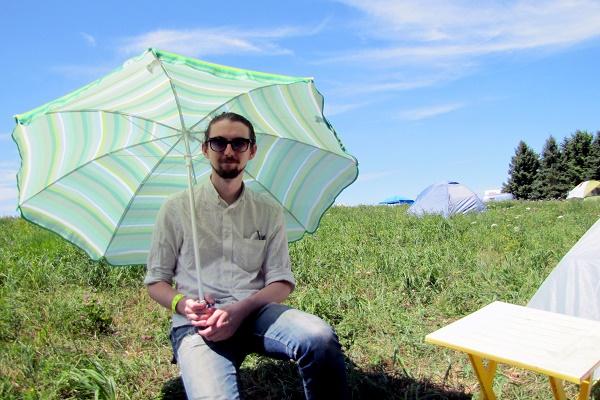 Weird_Canada-Umbrella_Man